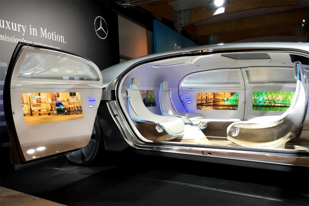 mercedes_benz_connected_car_F_015